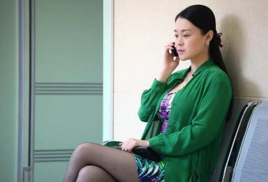【关婷娜】《乡村爱情故事》剧中,关婷娜饰演的杨晓燕走起了性感路线,备受瞩目