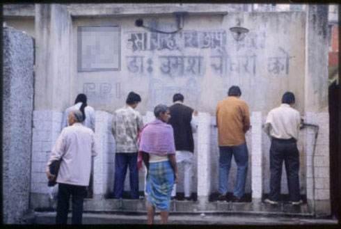 自然志:厕所—印度女人的摇钱树