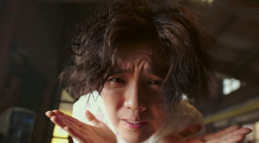 《穿越火线》鹿晗吻戏,动作深情熟练,彤姐看了不会吃醋吗?